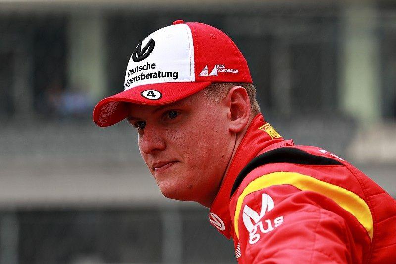 """Руководитель """"Феррари"""" рассказал о перспективах сына Шумахера в Формуле-1"""