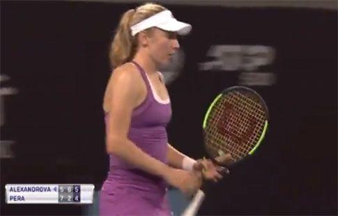 Александрова прошла во второй круг турнира в Пекине, где сыграет против Халеп
