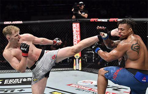 Александр Волков готов принять вызов топового тяжеловеса UFC Нганну