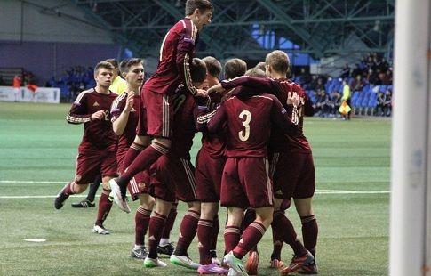 Яркие эмоции сборной России U19 после выхода в Элитный раунд Евро-2020. ВИДЕО