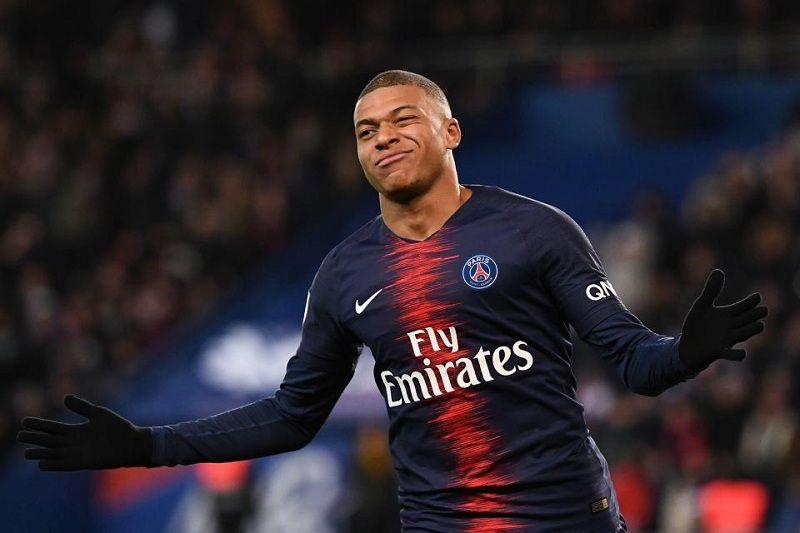 """Спортивный директор """"ПСЖ"""" заверил, что Мбаппе останется в парижском клубе"""