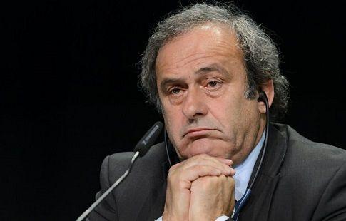 ФИФА официально требует Платини вернуть € 2 млн