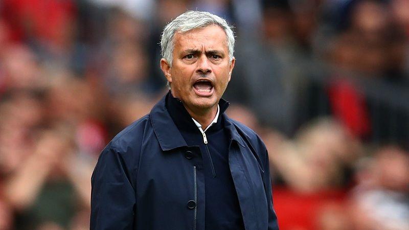 """FA не будет наказывать Моуринью, который назвал тренера """"Саутгемптона"""" идиотом"""