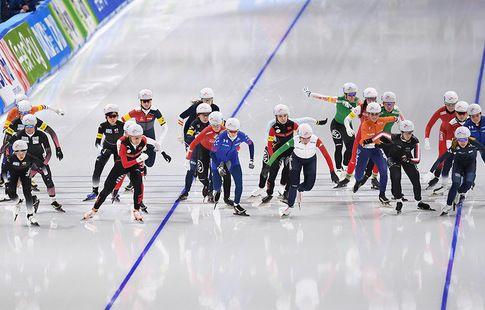 Сборная России выиграла командный спринт на чемпионате Европы по конькобежному спорту