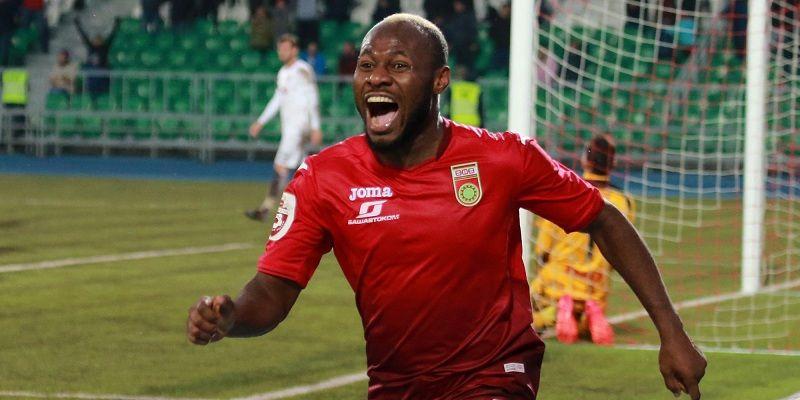 Игбун выгнал из квартиры друга, который воспользовался документами футболиста при обращении в больницу