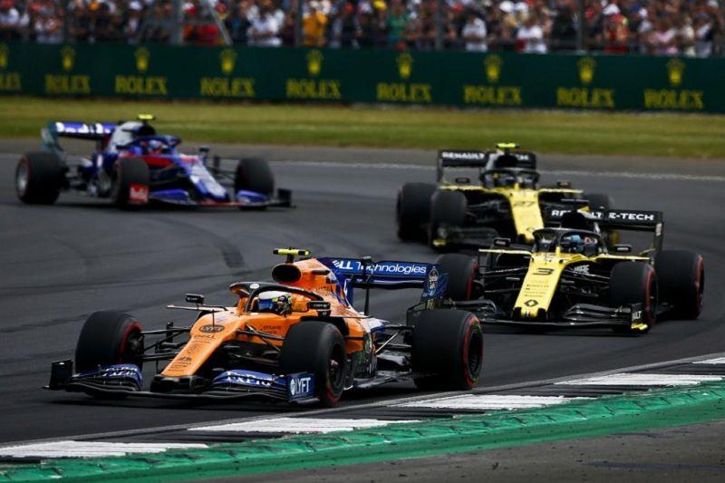 В Формуле-1 обсуждают вариант с проведением двух Гран-при за уик-энд