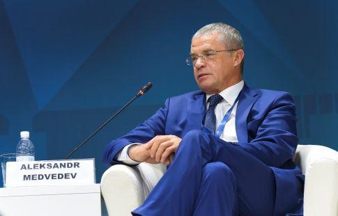 """Медведев: """"Договорились с игроками о снижении зарплат, теперь жду решение Семака"""""""
