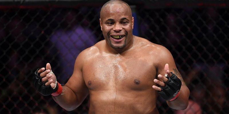 Кормье подписал контракт на очередной бой в UFC