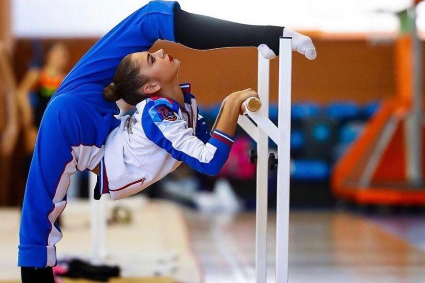 Гимнастка Солдатова исполнила растяжку на Красной площади. ФОТО
