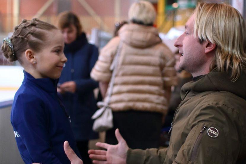 11-летняя Титова из команды Плющенко исполнила каскад лутц и риттбергер. ВИДЕО