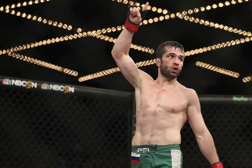 Россиянин Валиев подписал контракт с UFC