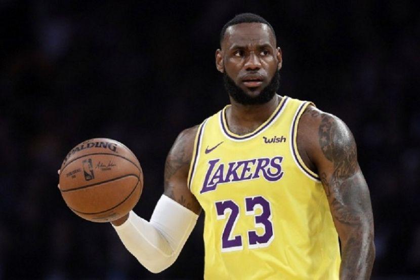 ESPN определил место Леброна в рейтинге величайших игроков за всю историю