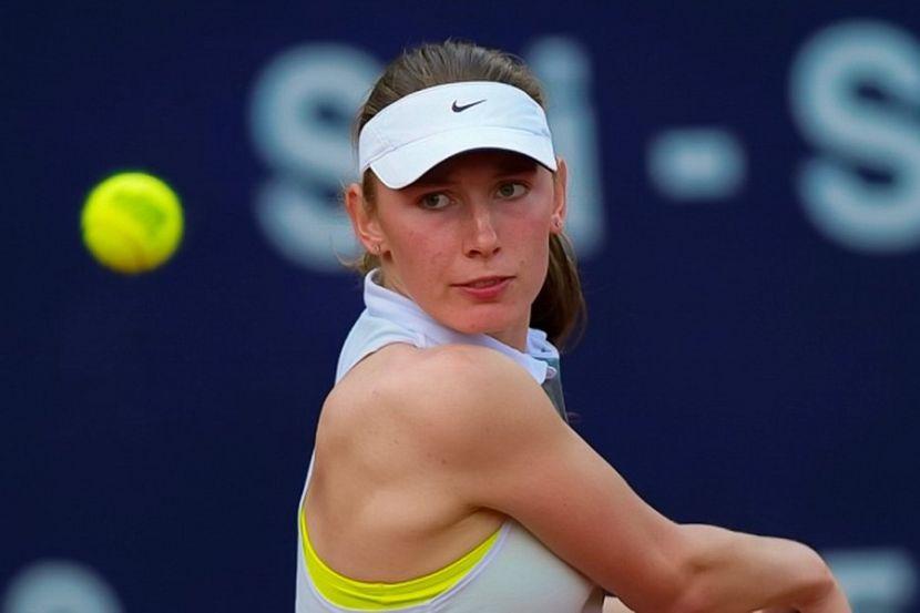 Александрова стартовала на турнире в Нью-Йорке с победы над Рыбакиной