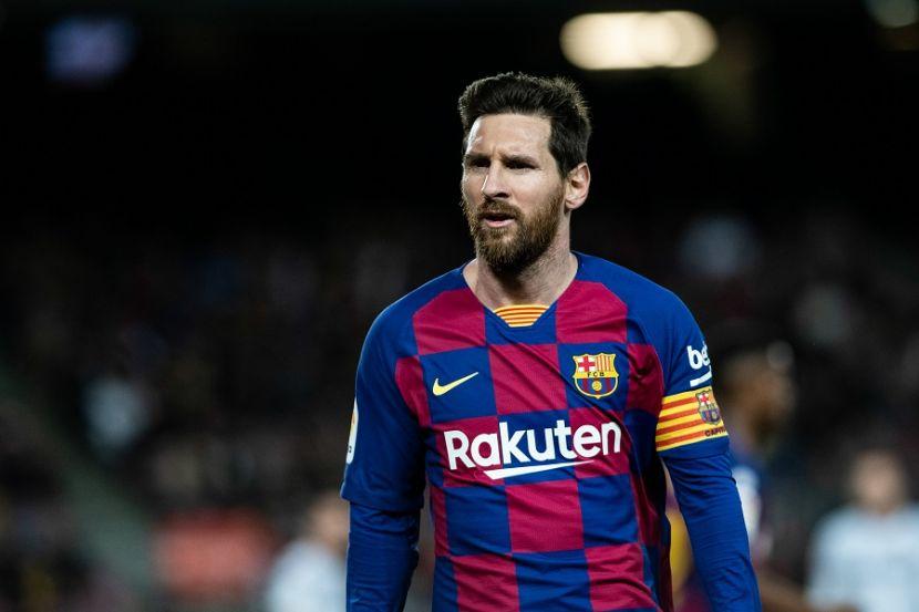 """Фанаты """"Барселоны"""" начали собираться у """"Камп Ноу"""", они требуют отставки президента клуба и просят Месси остаться (ВИДЕО)"""