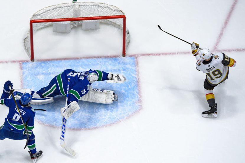 """""""Вегас"""" — """"Ванкувер"""" — 2:5. Видеообзор матча плей-офф НХЛ"""