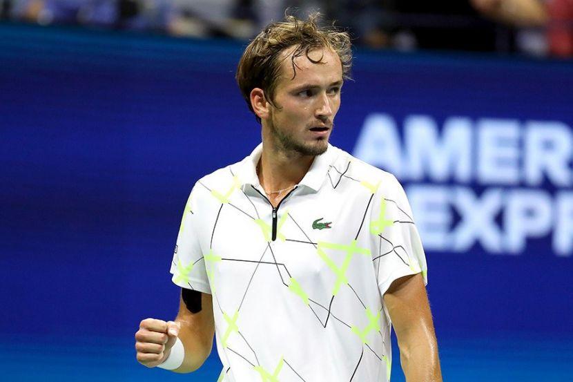 Медведев попал в десятку самых высокооплачиваемых теннисистов по версии Forbes