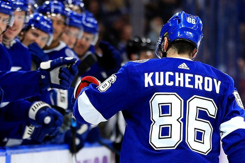 Кучеров продолжает ставить рекорды в НХЛ