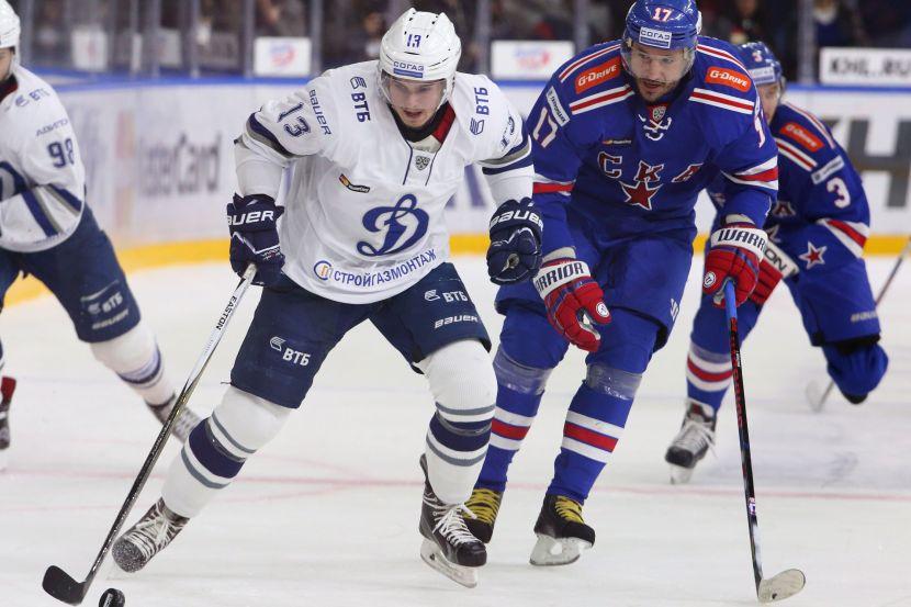 Александр Алексеев (слева)