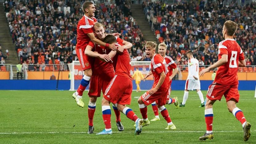 Молодёжная сборная России (футбол)