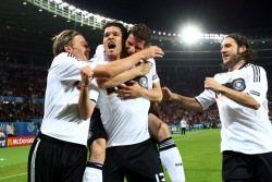 Баллак вывел сборную Германии в 1/4 финала Чемпионата Европы